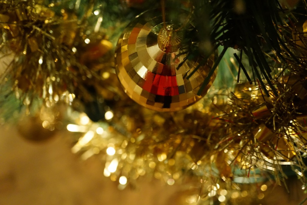 Christmas tree bokeh  by quietpurplehaze