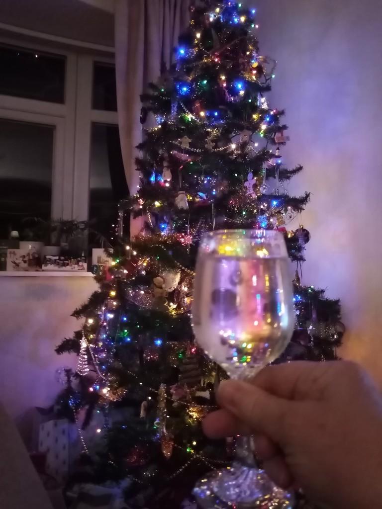 Cheers! by filsie65