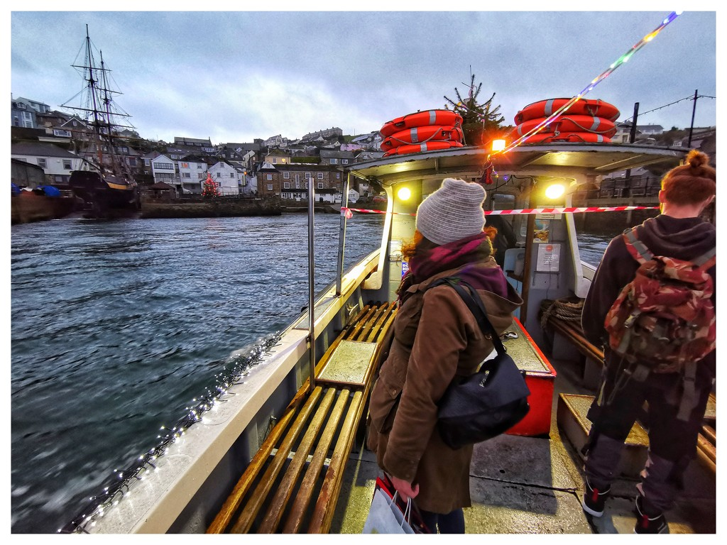 Late Ferry To Polruan by simonpz