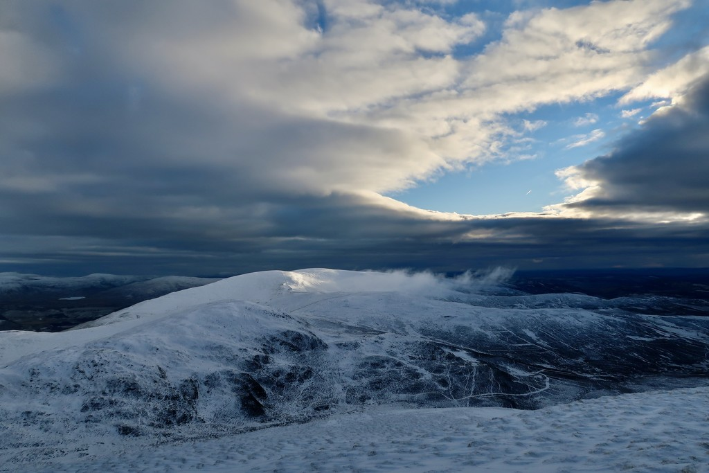 Morning on the Slopes of Ben Earb by jamibann