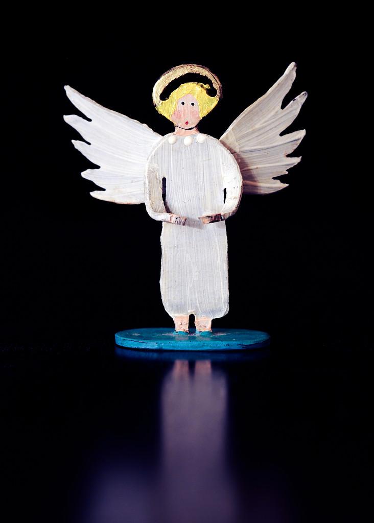 A (Better) Angel by rosiekerr