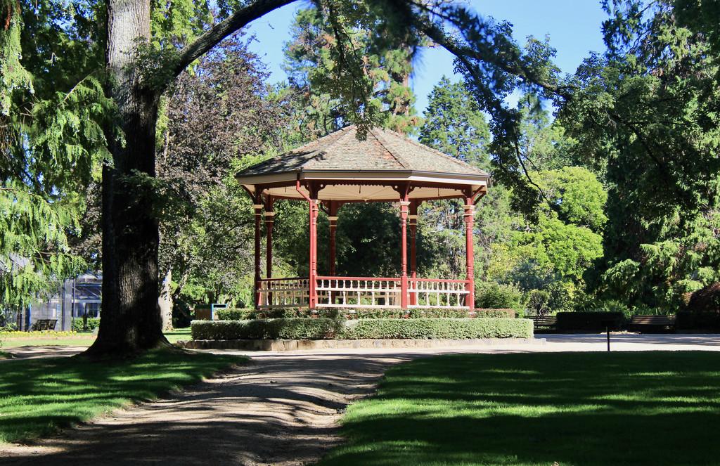 The Park Rotunda by landownunder
