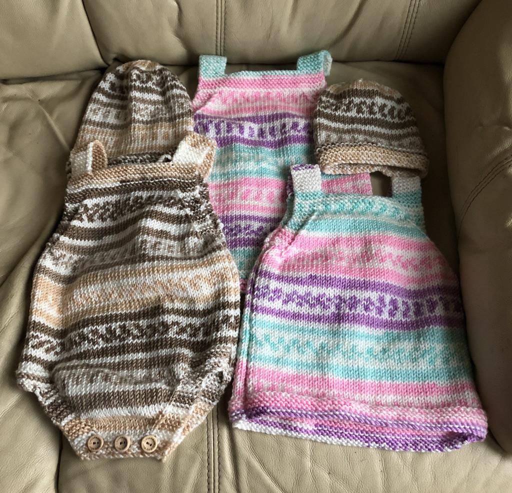 Knitting by arkensiel