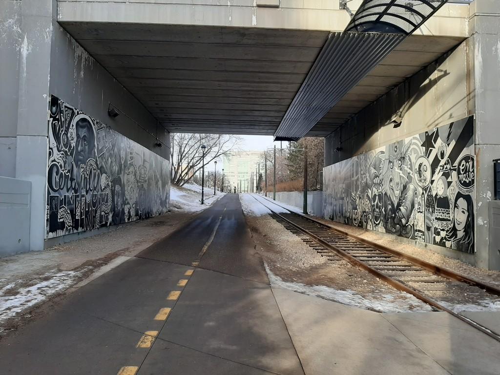 Hidden Mural  by bkbinthecity