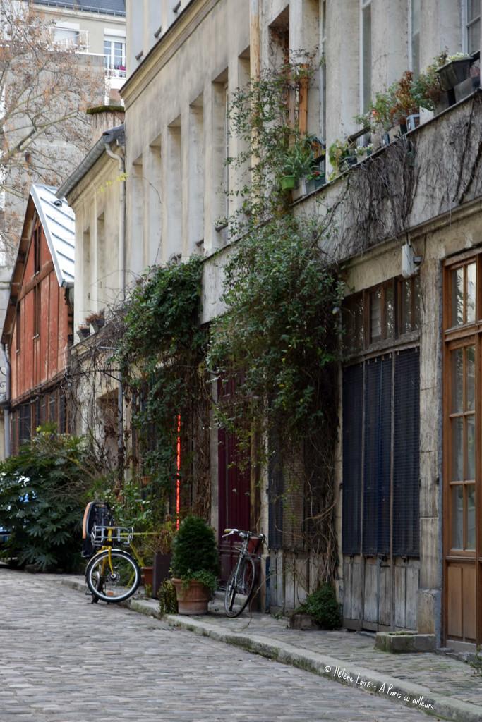 Secret Paris  by parisouailleurs