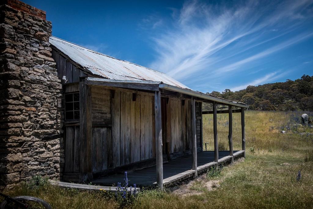 Alpine Hut by pusspup