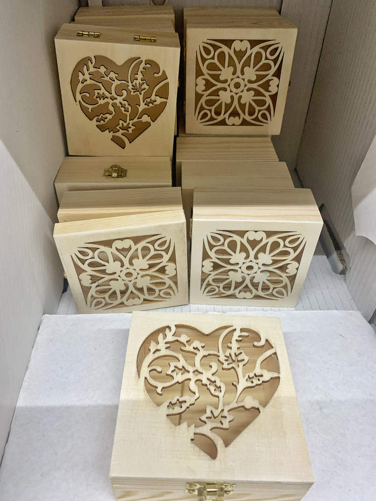 Hearts on boxes.  by cocobella