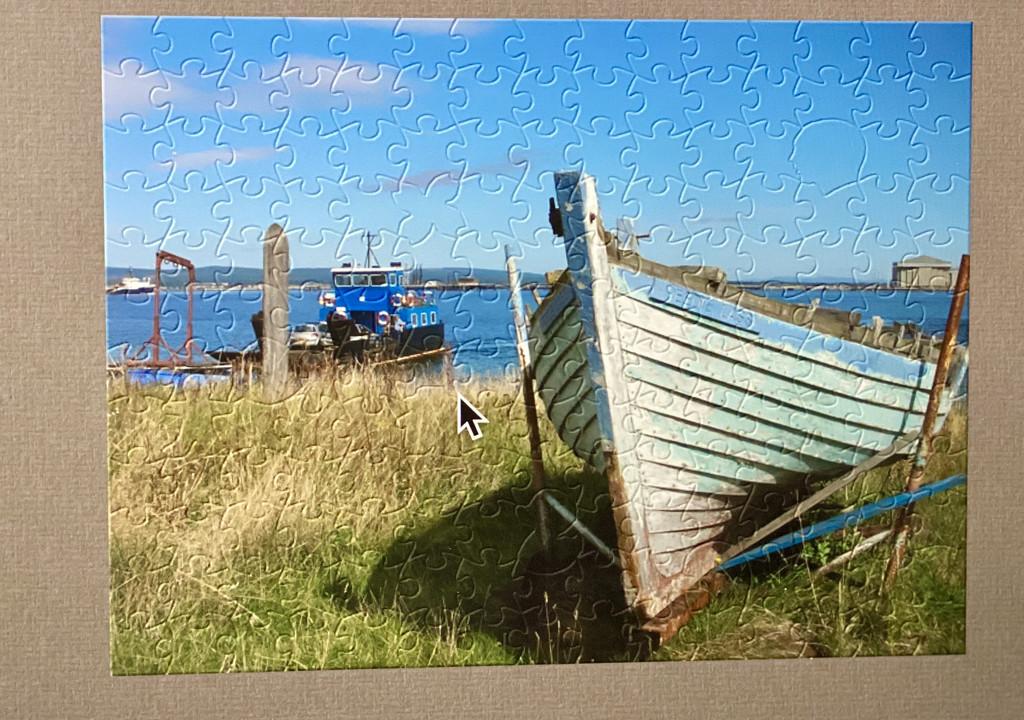 Jigsaw by maggiemae