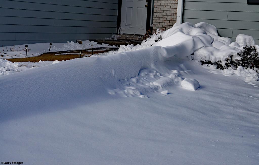 Snow wave  by larrysphotos
