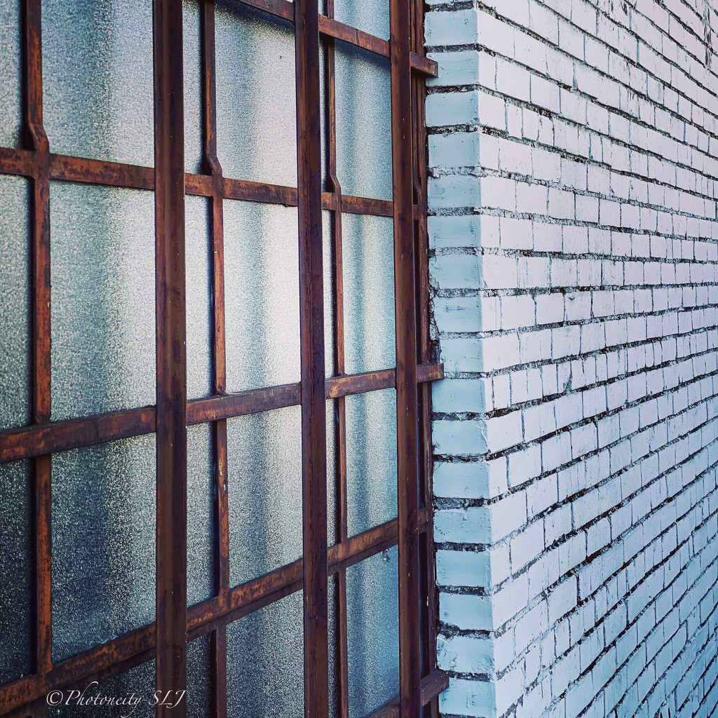 Angle & Perspective by shaunaleaj