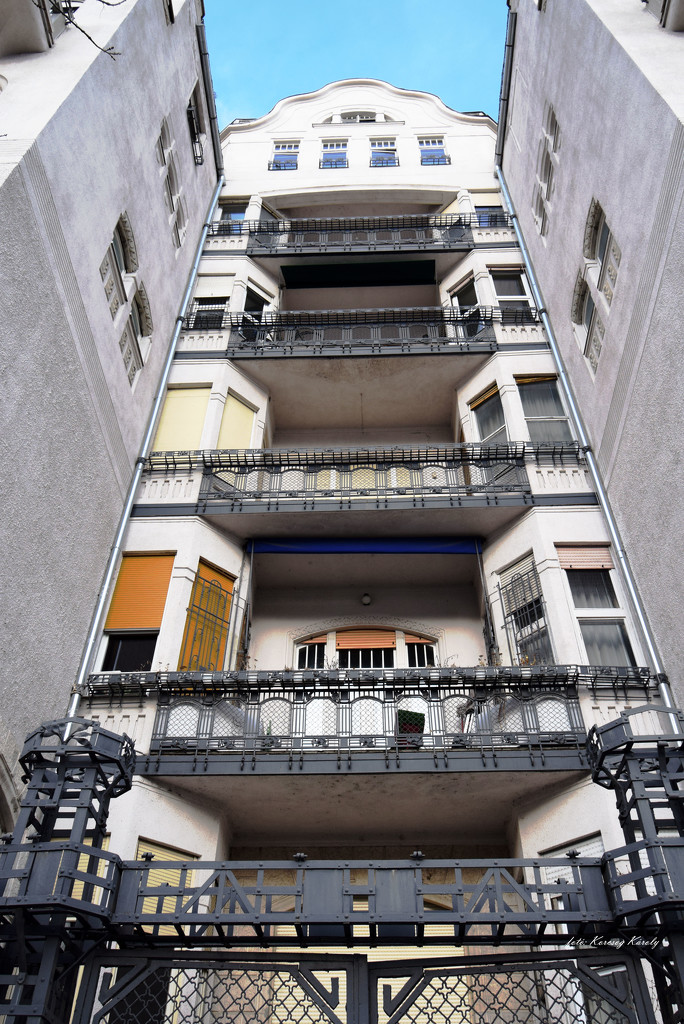 Closed facade by kork