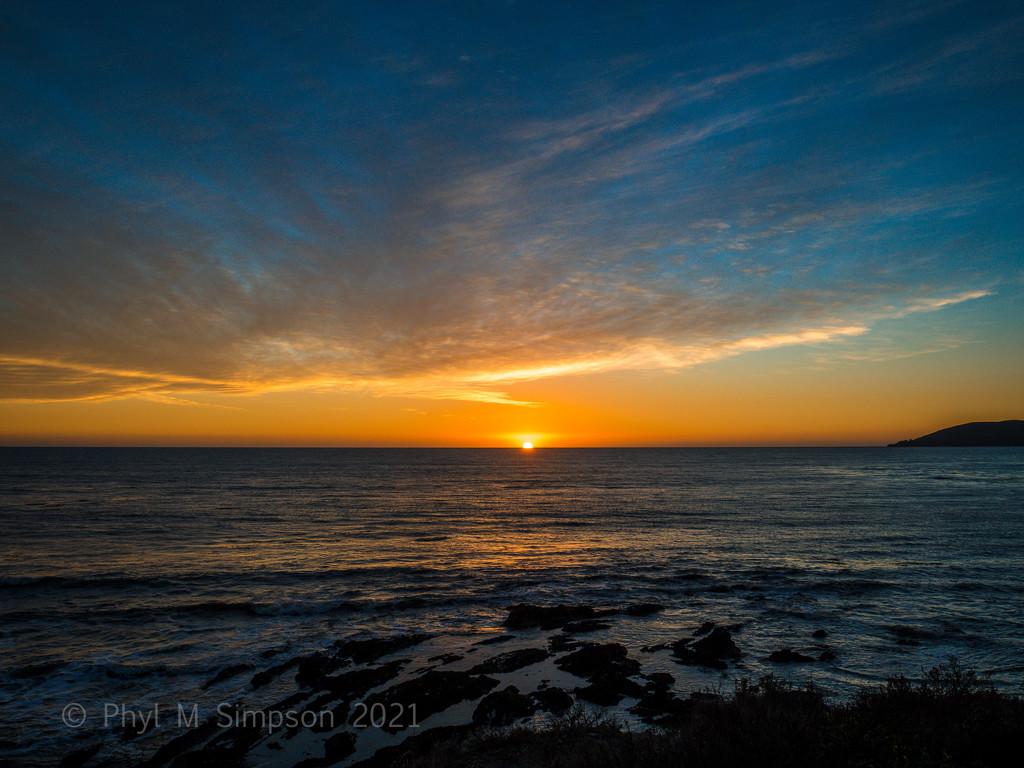 Sunset in Warm Glory by elatedpixie