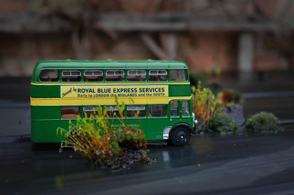 Miniature Bus by backspin71