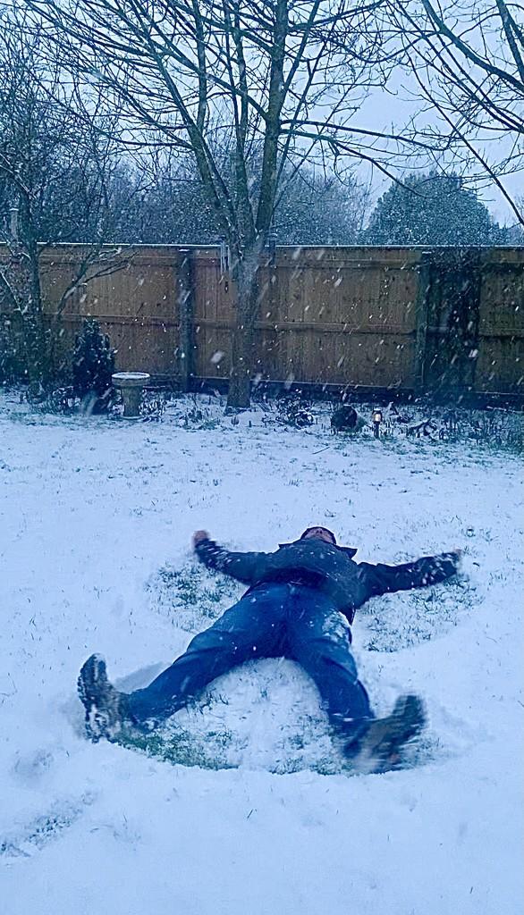 He's Snow Angel by carole_sandford