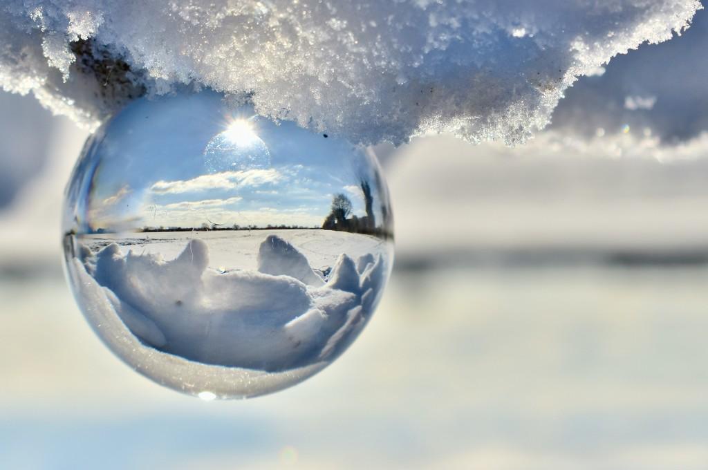 Snow Globe by helly31