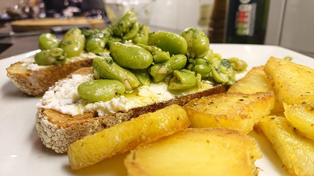 Beans on toast...  by peadar
