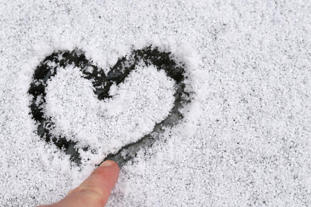 I love drawing hearts by cherrymartina