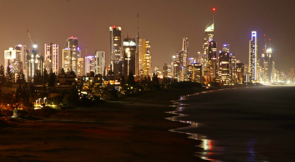 Surfers Paradise at Night by terryliv