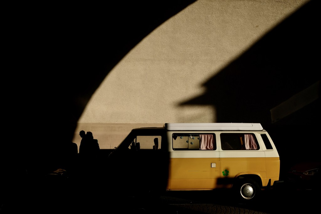 Yellow bus by vincent24