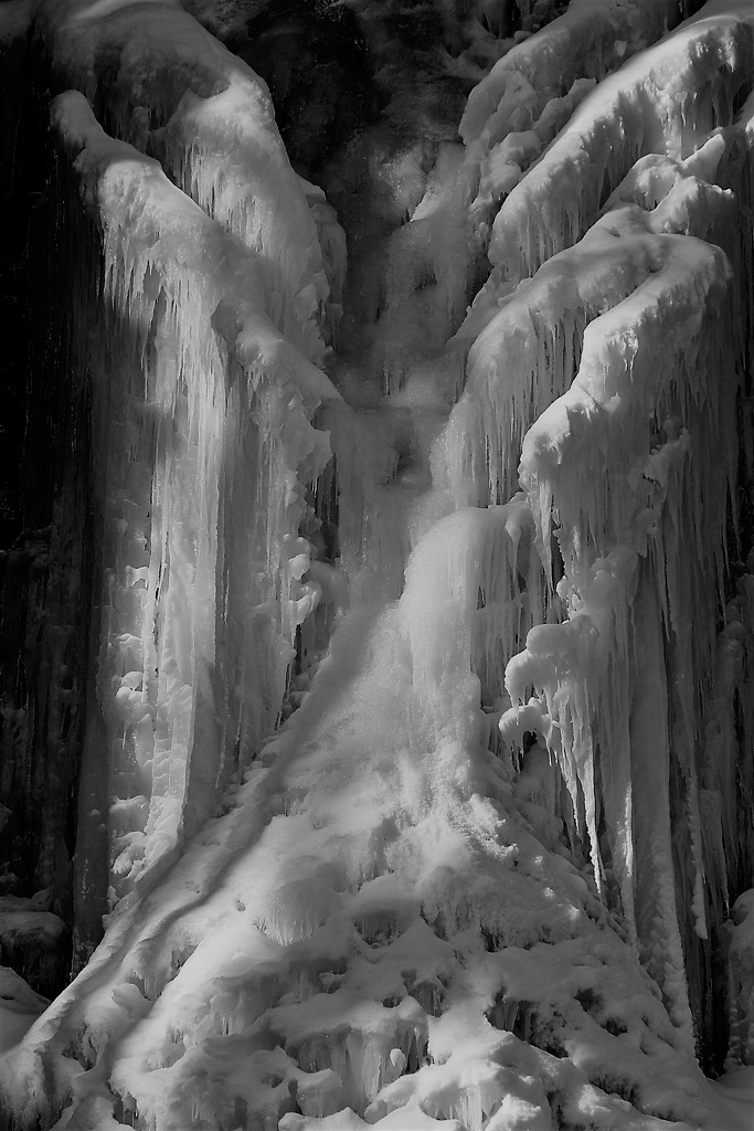 Icefall Closeup by randy23