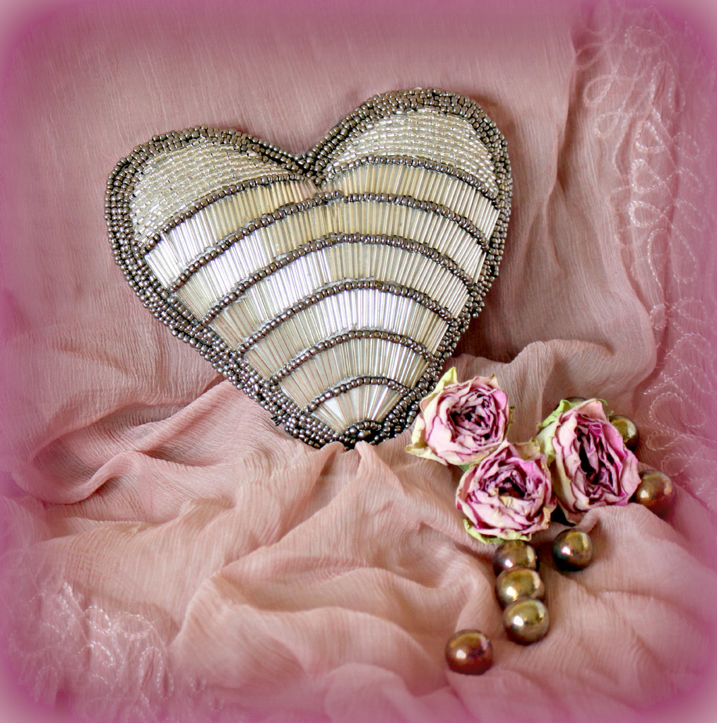 Victorian Heart. by wendyfrost