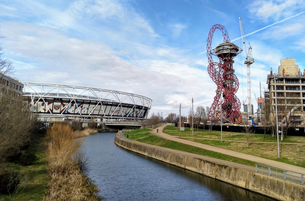 River Lea, Olympic Stadium and ArcelorMittal by boxplayer