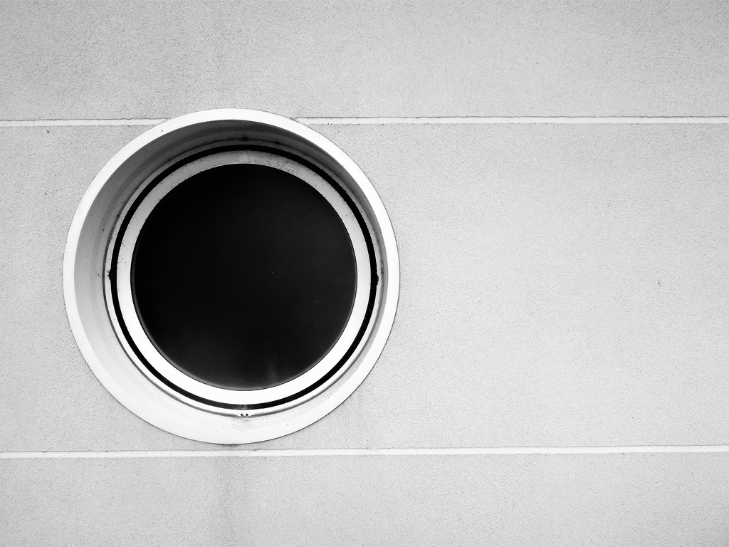 Round window abstract by etienne