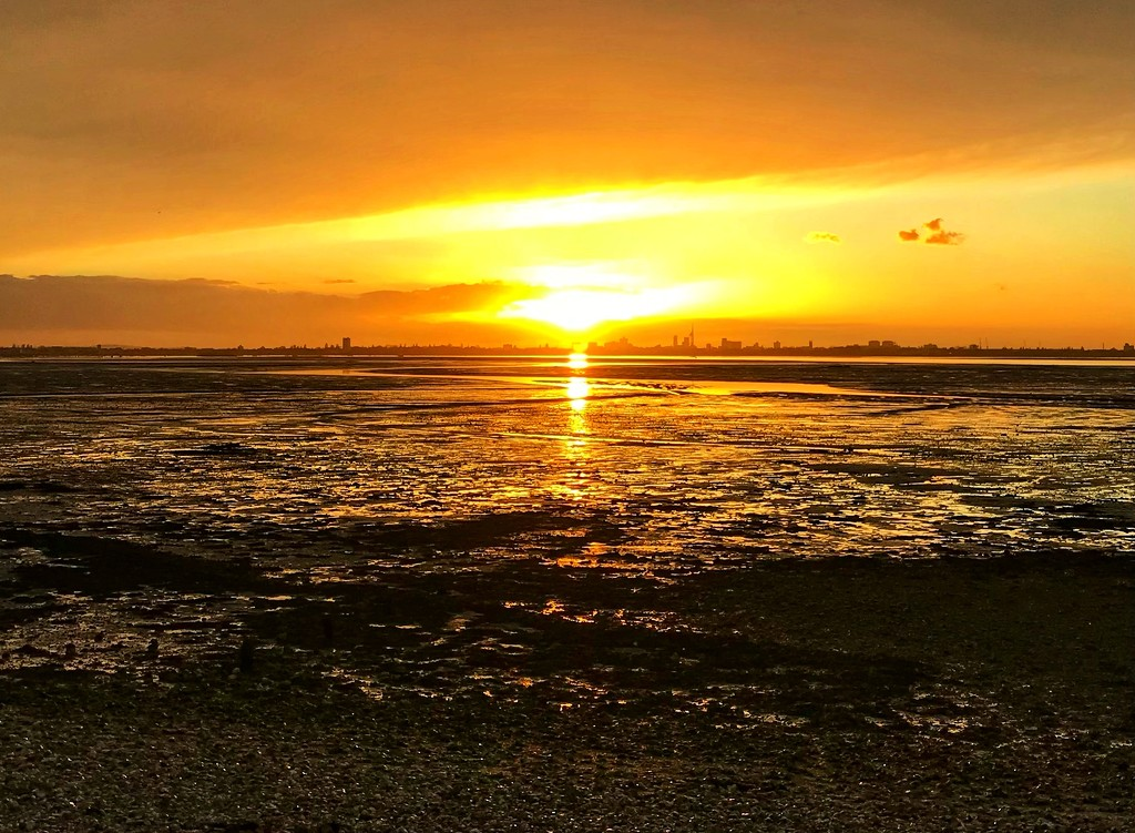 Sunset over Portsmouth by wakelys