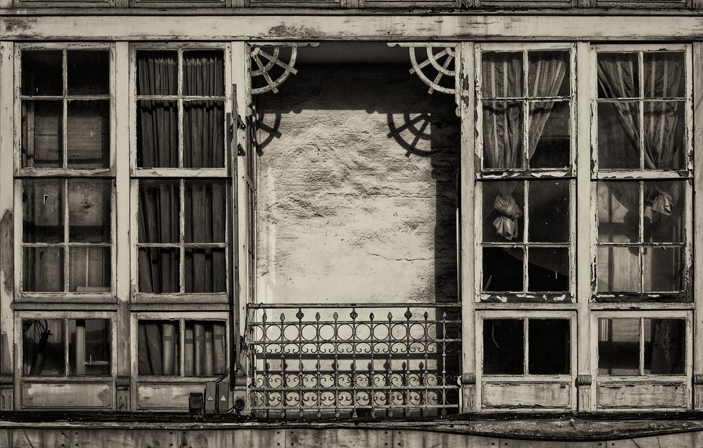 0225 - Balcony at El Ferrol by bob65