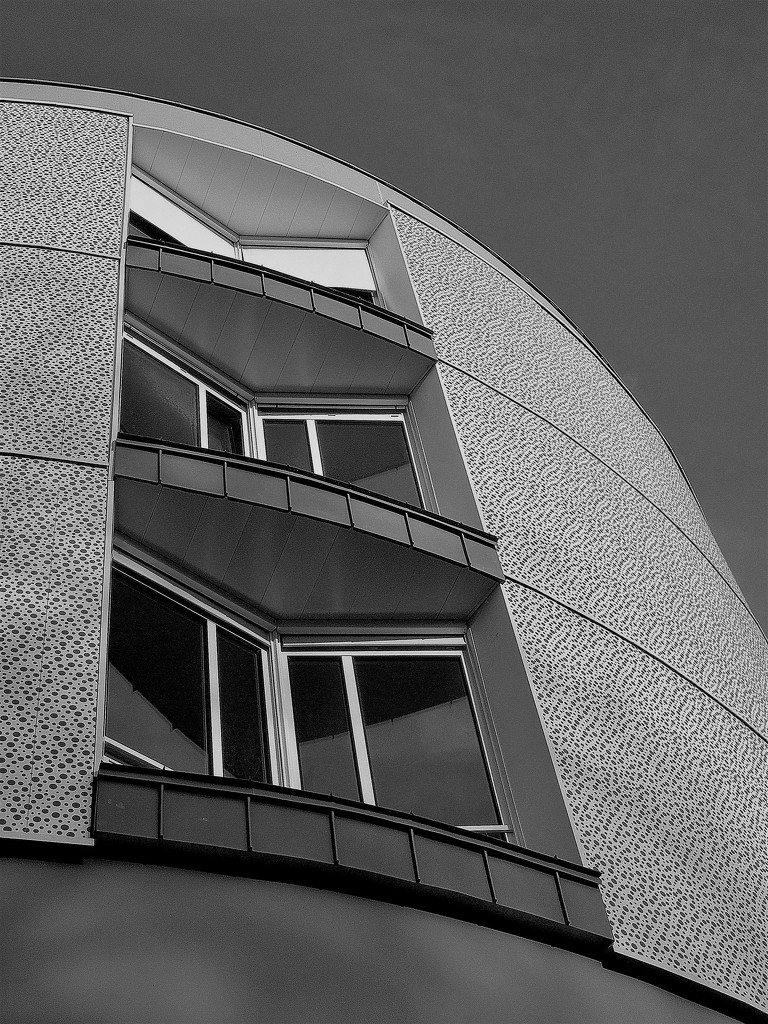 Round apartment building by etienne