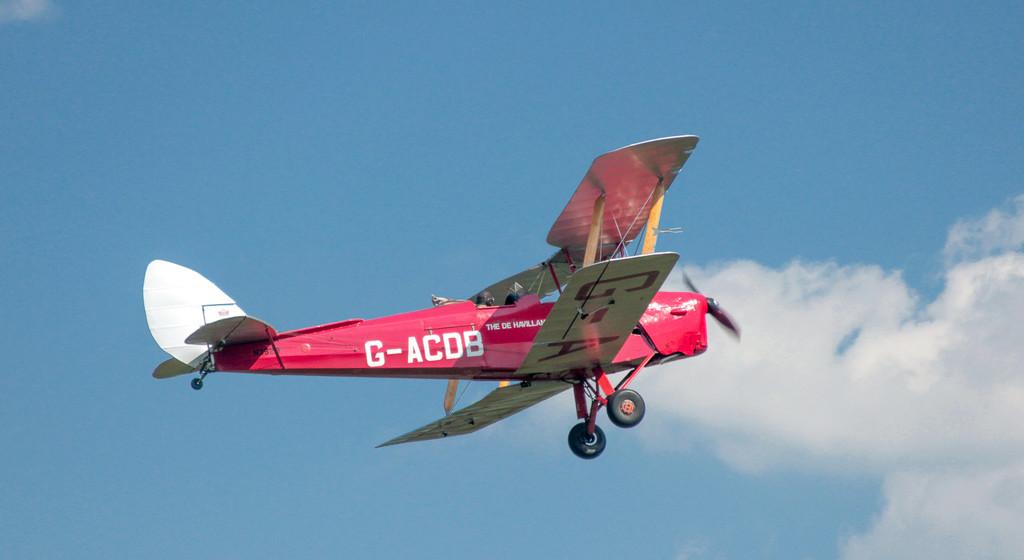 DE HAVILLAND in Flight by cm_saratoga
