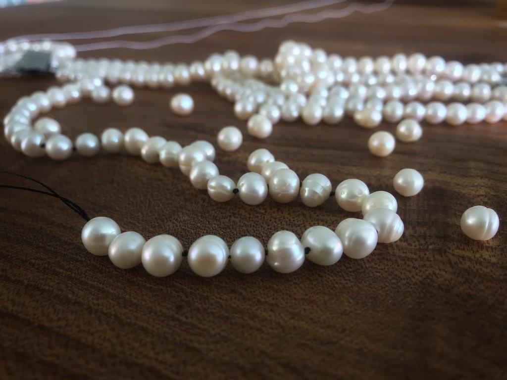 Pearls by carolinesdreams