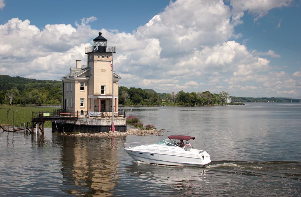 Lighthouse on the Hudson by cm_saratoga