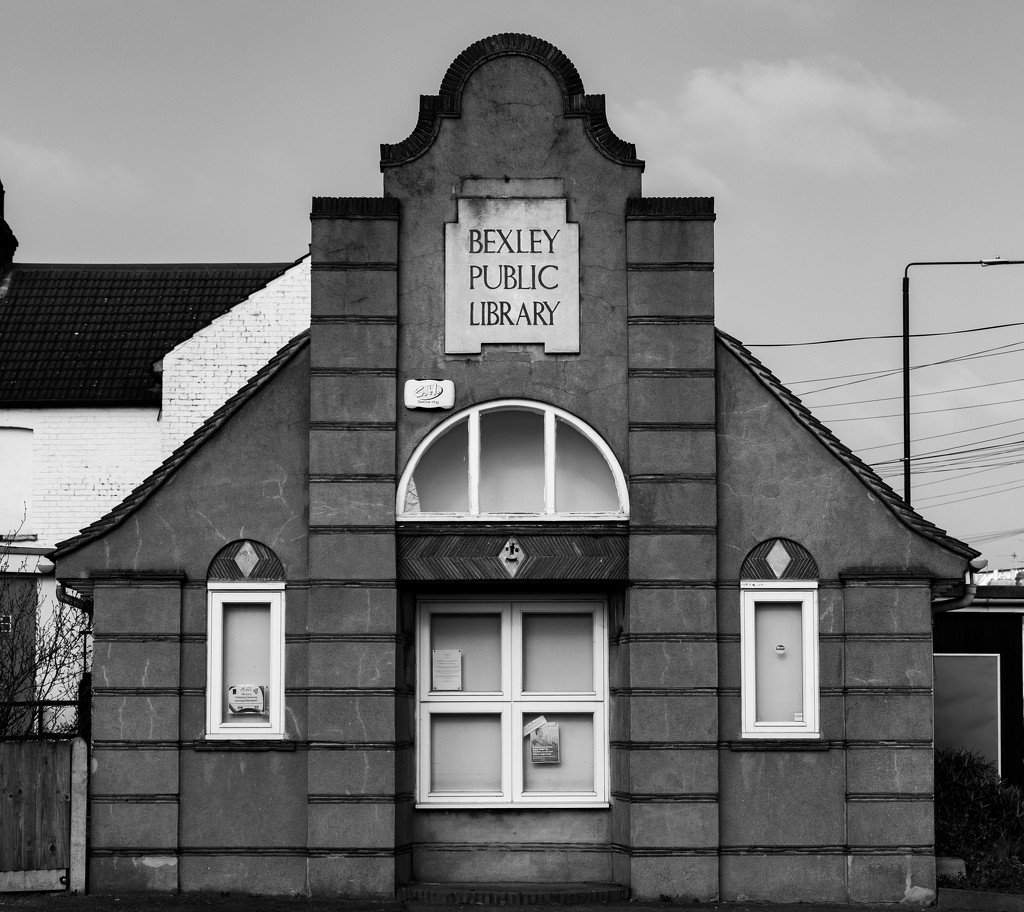 The old library by peadar