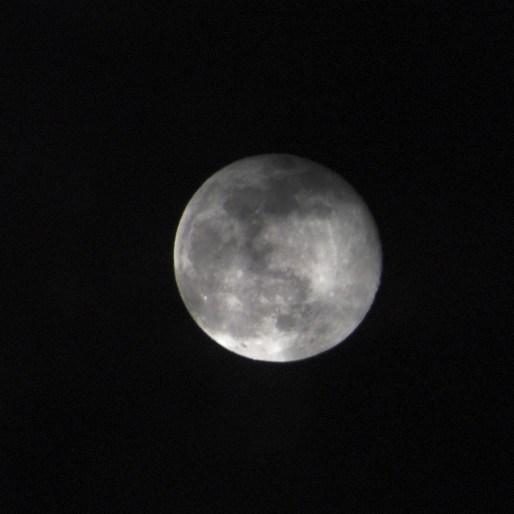 The Moon...Plain & Simple! by bjywamer