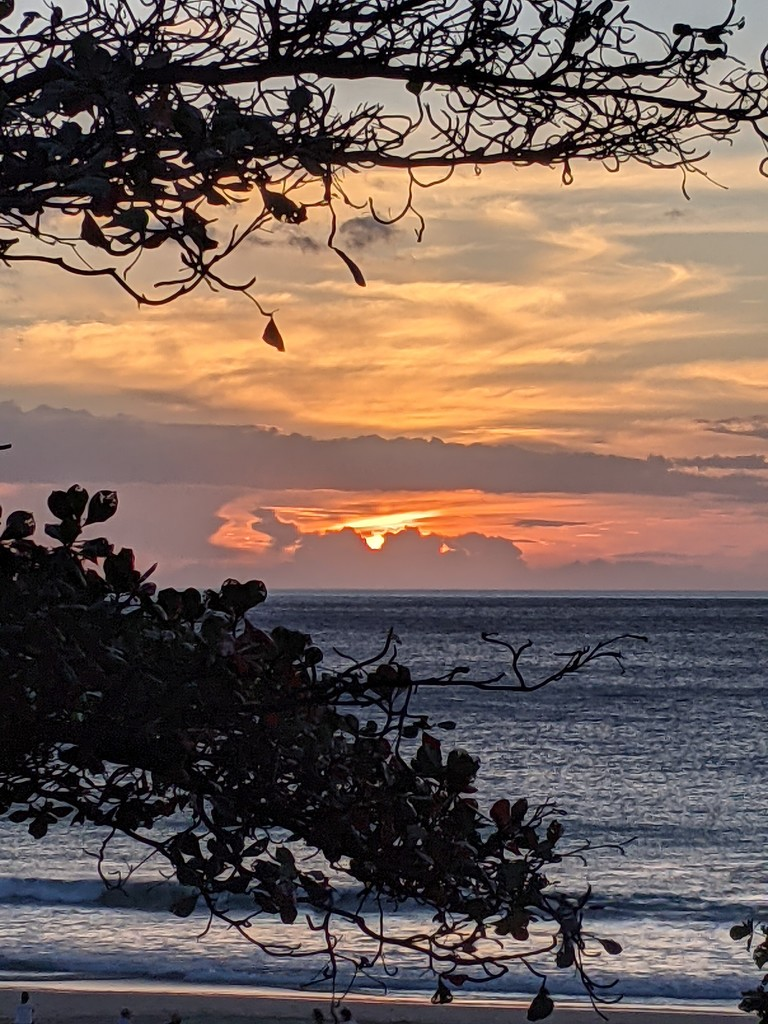 Last sunset of my trip by bambilee