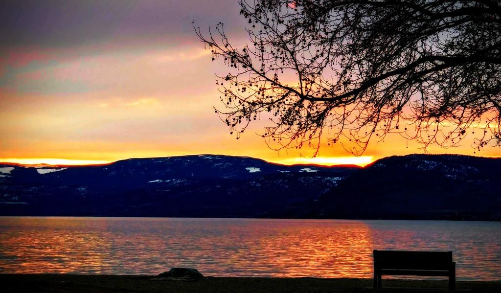 Lake Beauty by gq