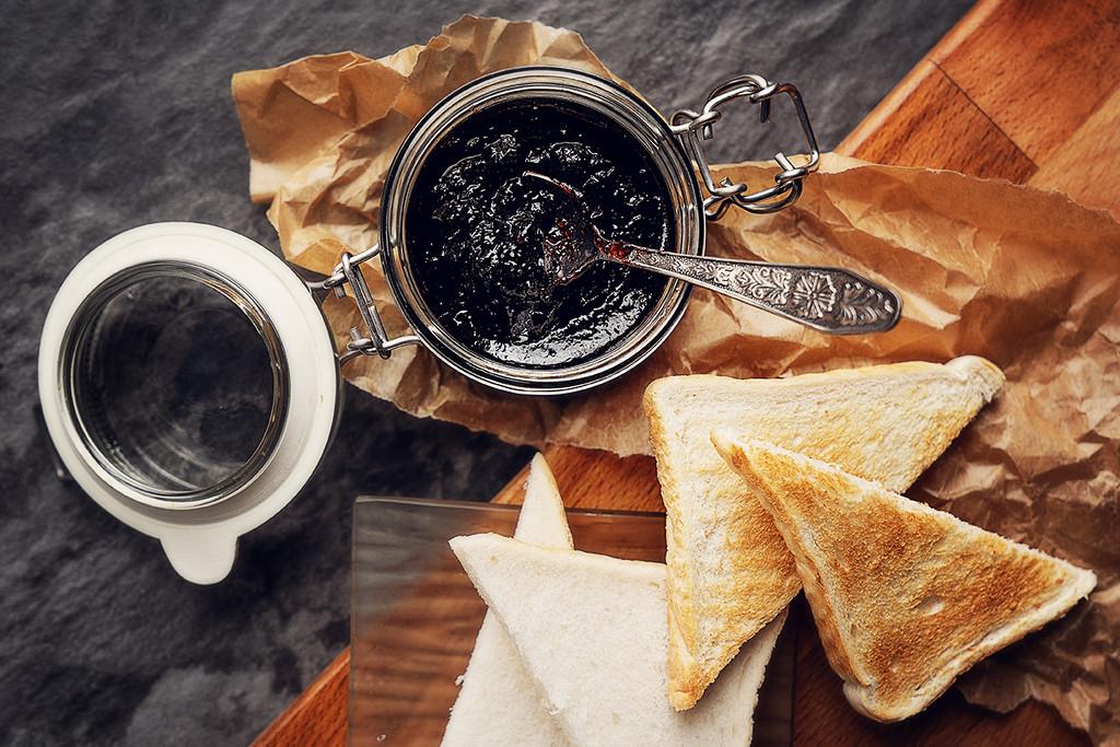 late breakfast by katarzynamorawiec