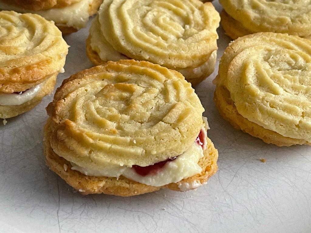 Todays bake, Viennese Whirls by bizziebeeme