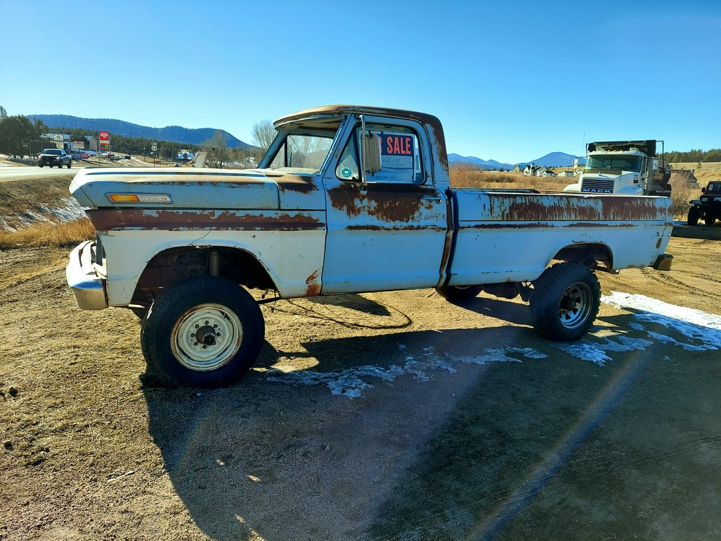 Truck For Sale  by harbie