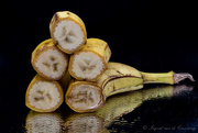 10th Mar 2021 - Stacking bananas