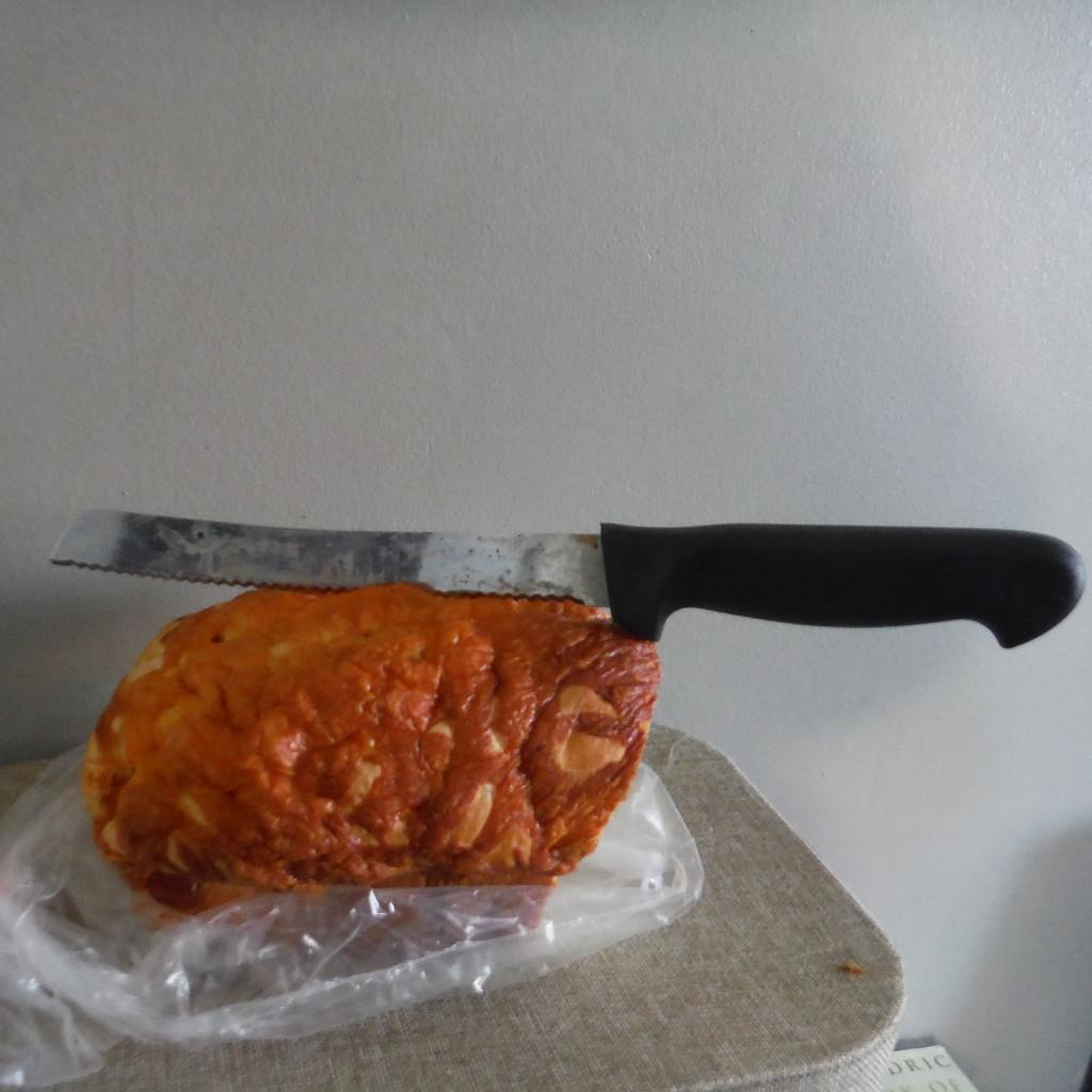 Knife #2: Bread Knife by spanishliz