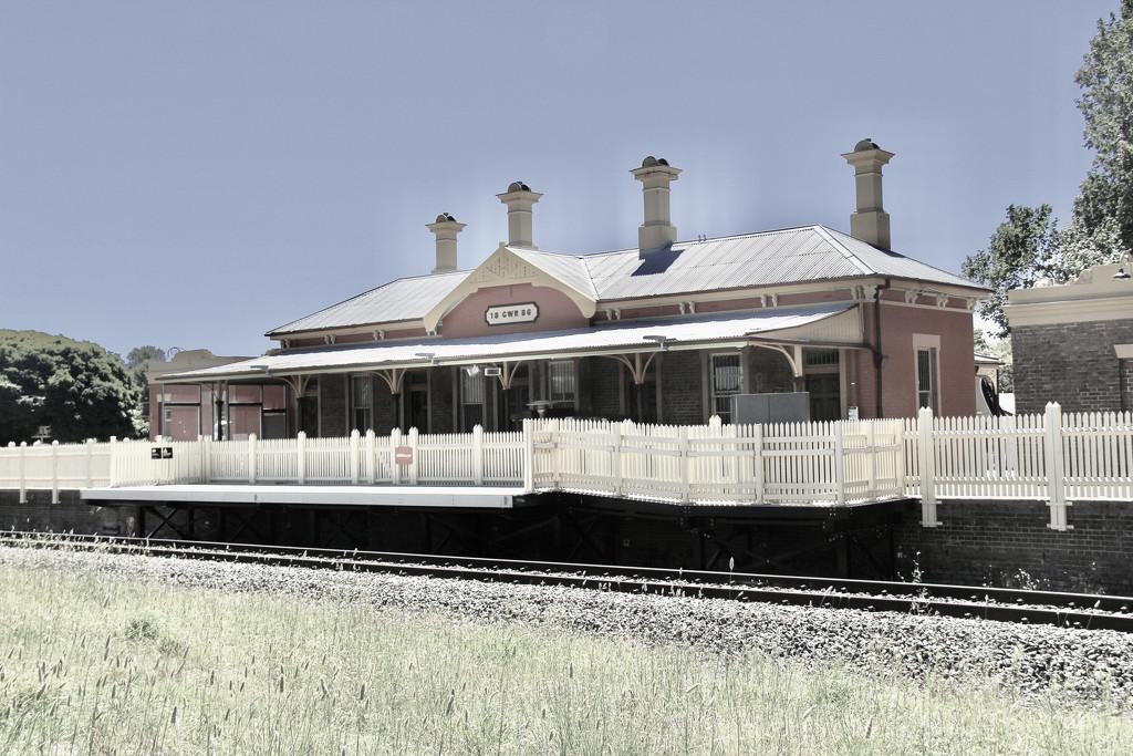 Millthorpe Railway Station by landownunder