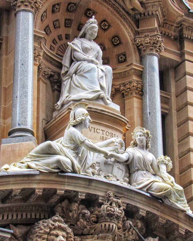 Queen Victoria. GPO Sydney by johnfalconer