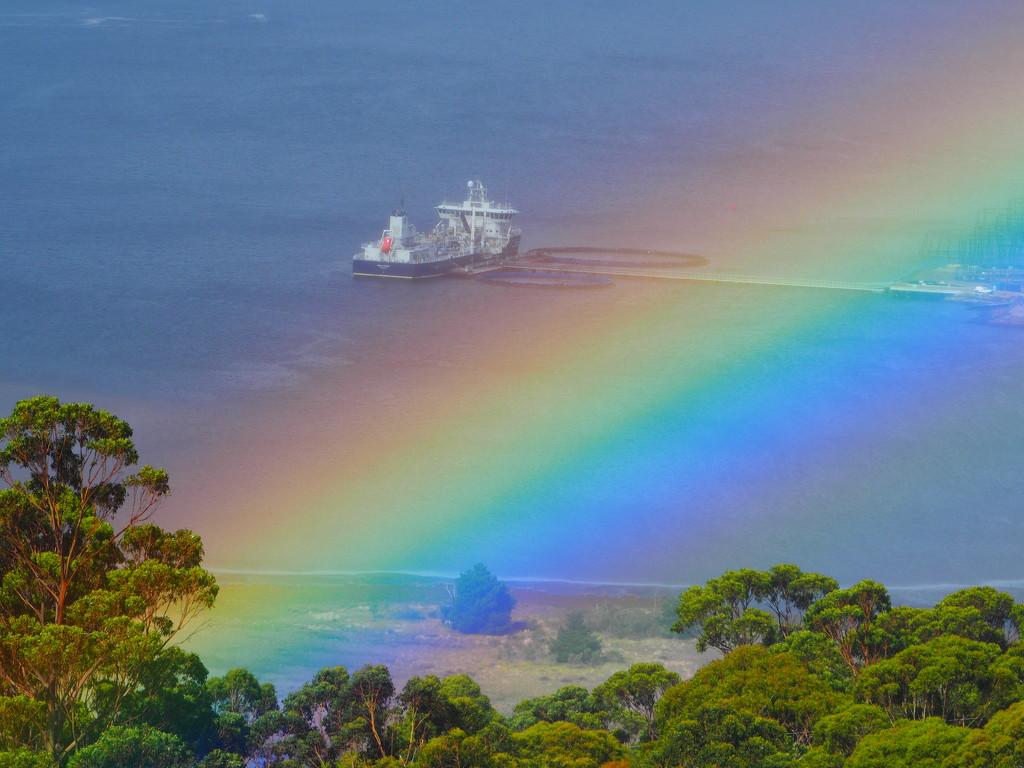 Sunshine, rain, rainbow by katford