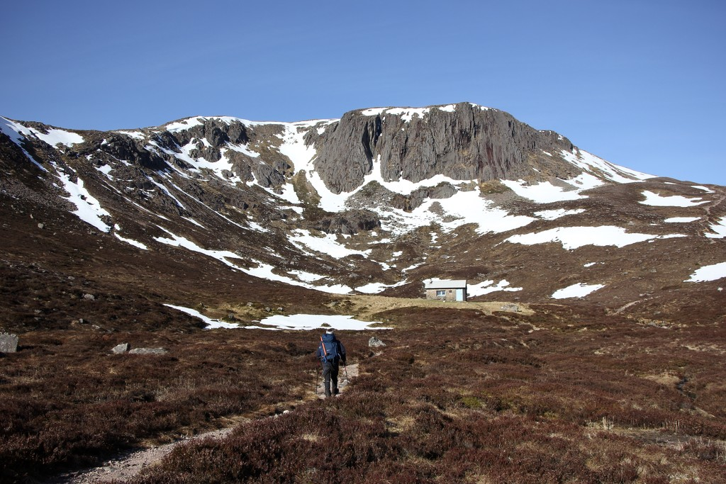 Coire Etchachan Shelter by jamibann