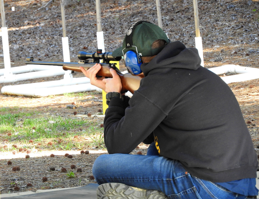 Hunter shot a 186/200 by homeschoolmom