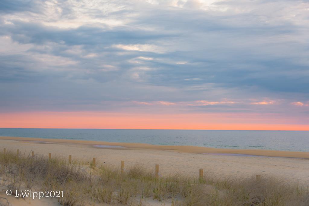 Cloudy Sunrise  by lesip