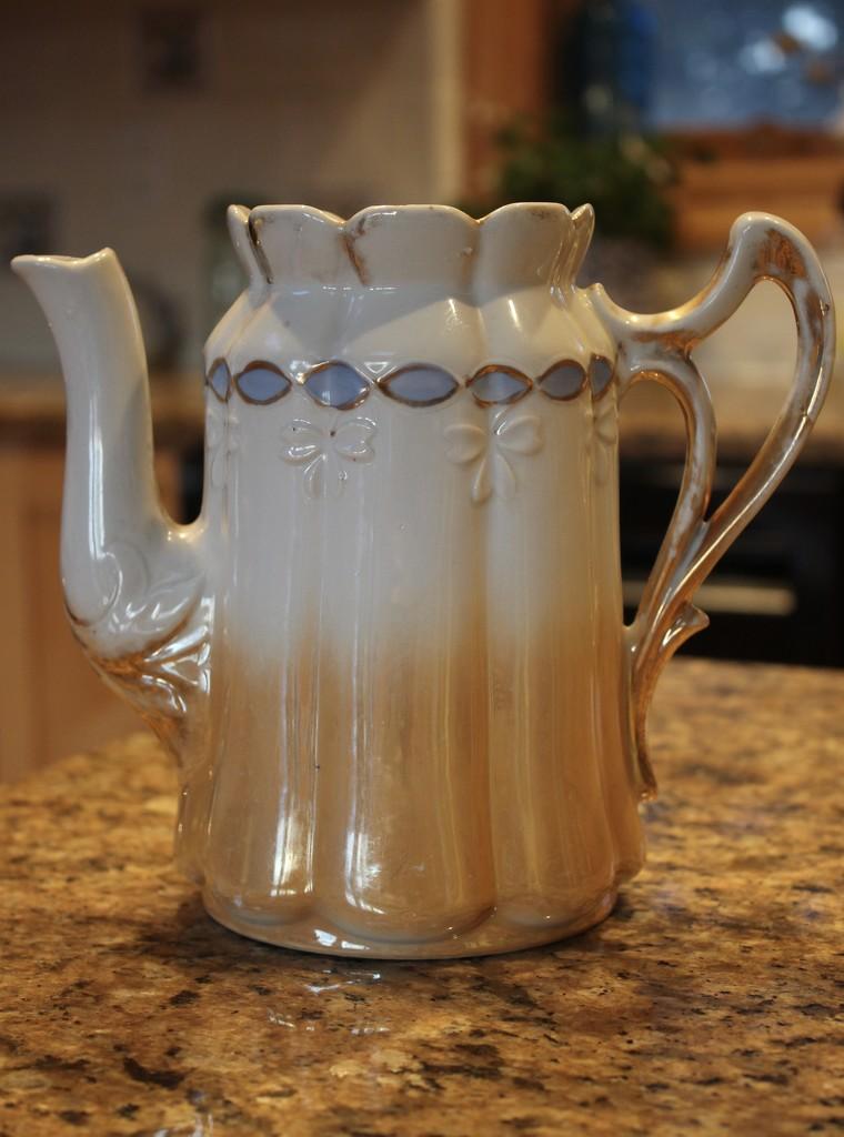 Tea pot by jb030958