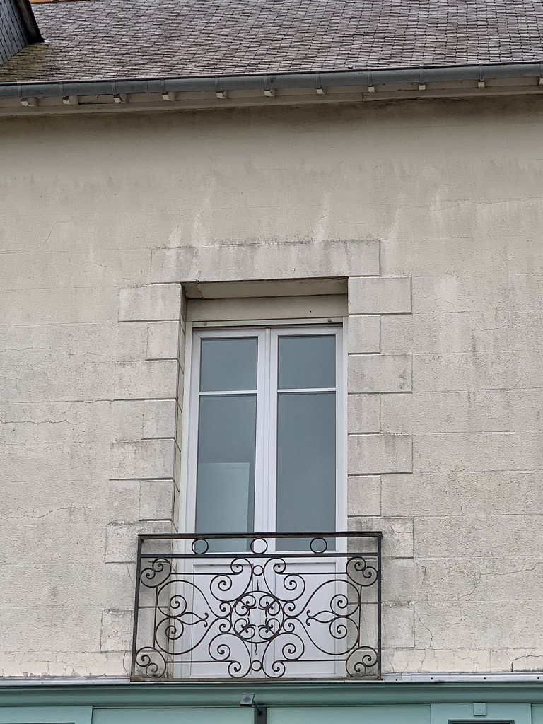 Two hearts on a balcony.  by cocobella